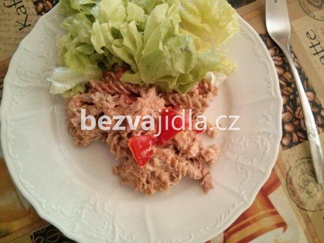 tuňákový salát s rýží